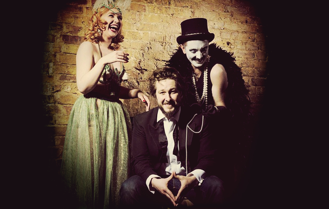 Alexander Parsonage, Pi The Mime, Felicity Furore - laughing