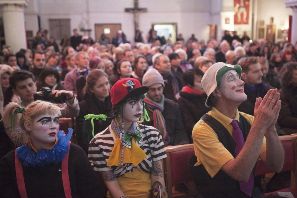 clowns-gather-grimaldi-memorial-service